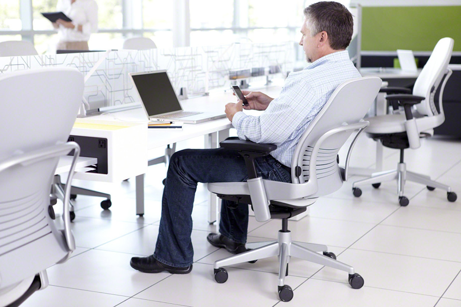 5 Tips to Improve the Way You Sit