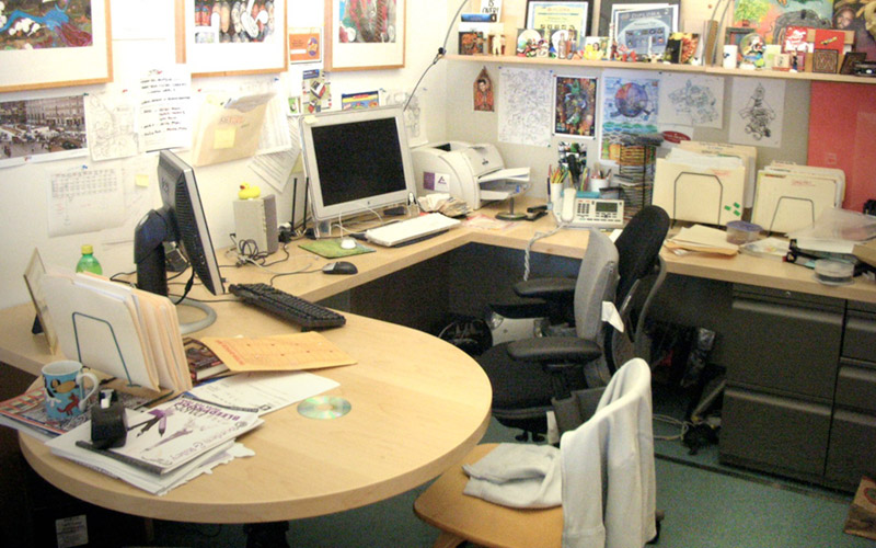 5-signs-your-office-is-hurting-your-business-messy