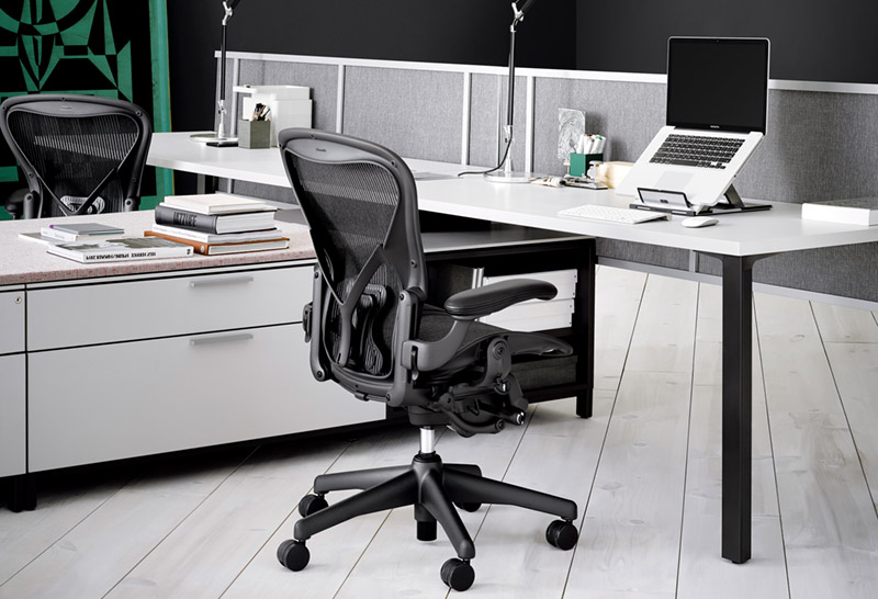 black aeron chairs by herman miller at workdesk - Herman Miller Aeron Chair