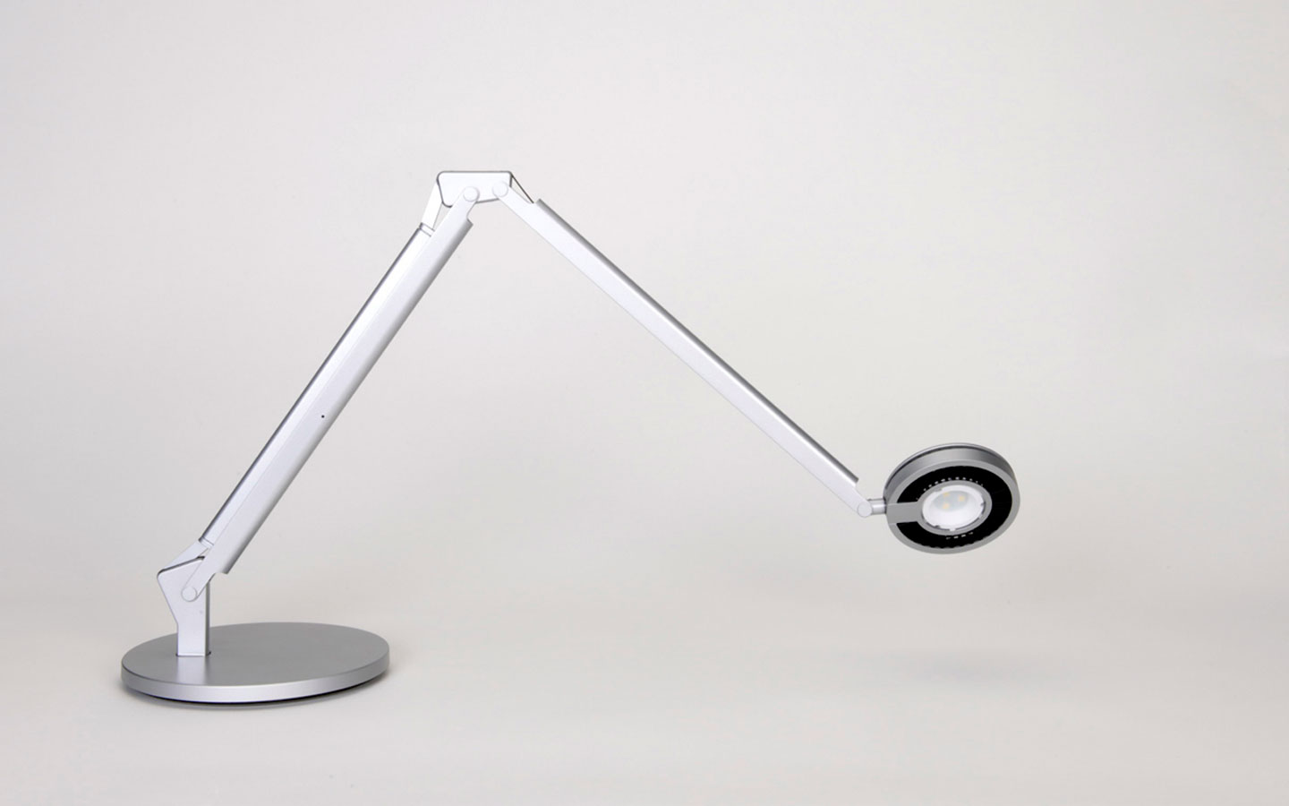 Must-have Desk Lighting Features of The Future